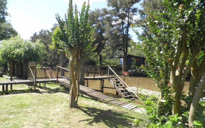 Hermosa y Cálida Cabaña con pasarela hasta el muelle, cerca de la est. de Tigre