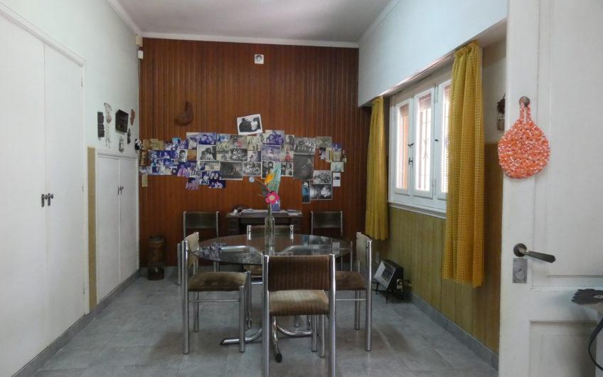 HERMOSO CHALET EN 2 PLANTAS CON  AMPLIO PARQUE